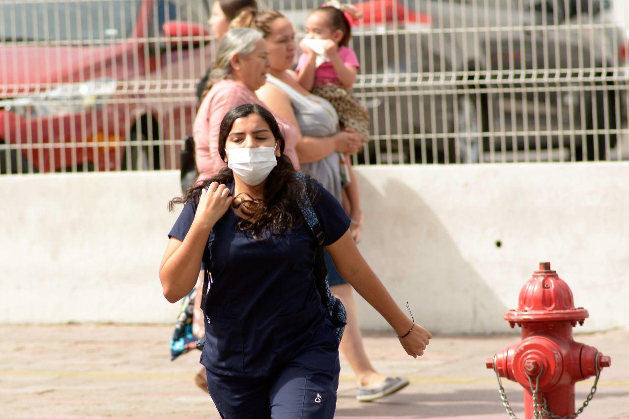 Ante la confirmación del primer caso de persona infectada por el virus del coronavirus en Culiacán, ciudadanos empezaron a tomar medidas preventivas,  como el uso de cubrebocas y gel antibacterial para evitar el contagio